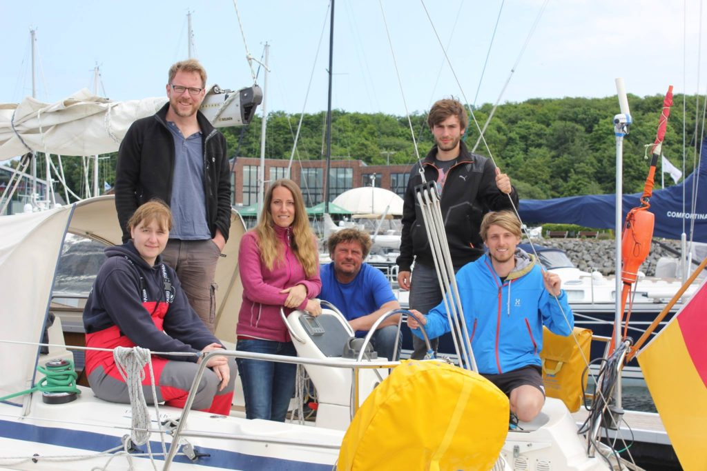 crew-on-the-boat-harba