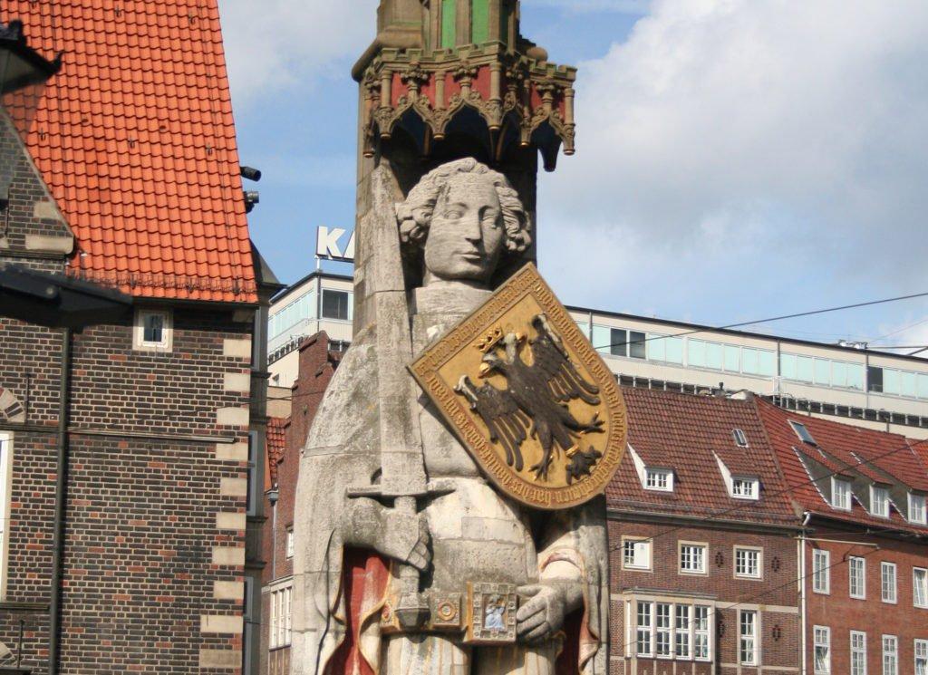 roland_statue_bremen_germany