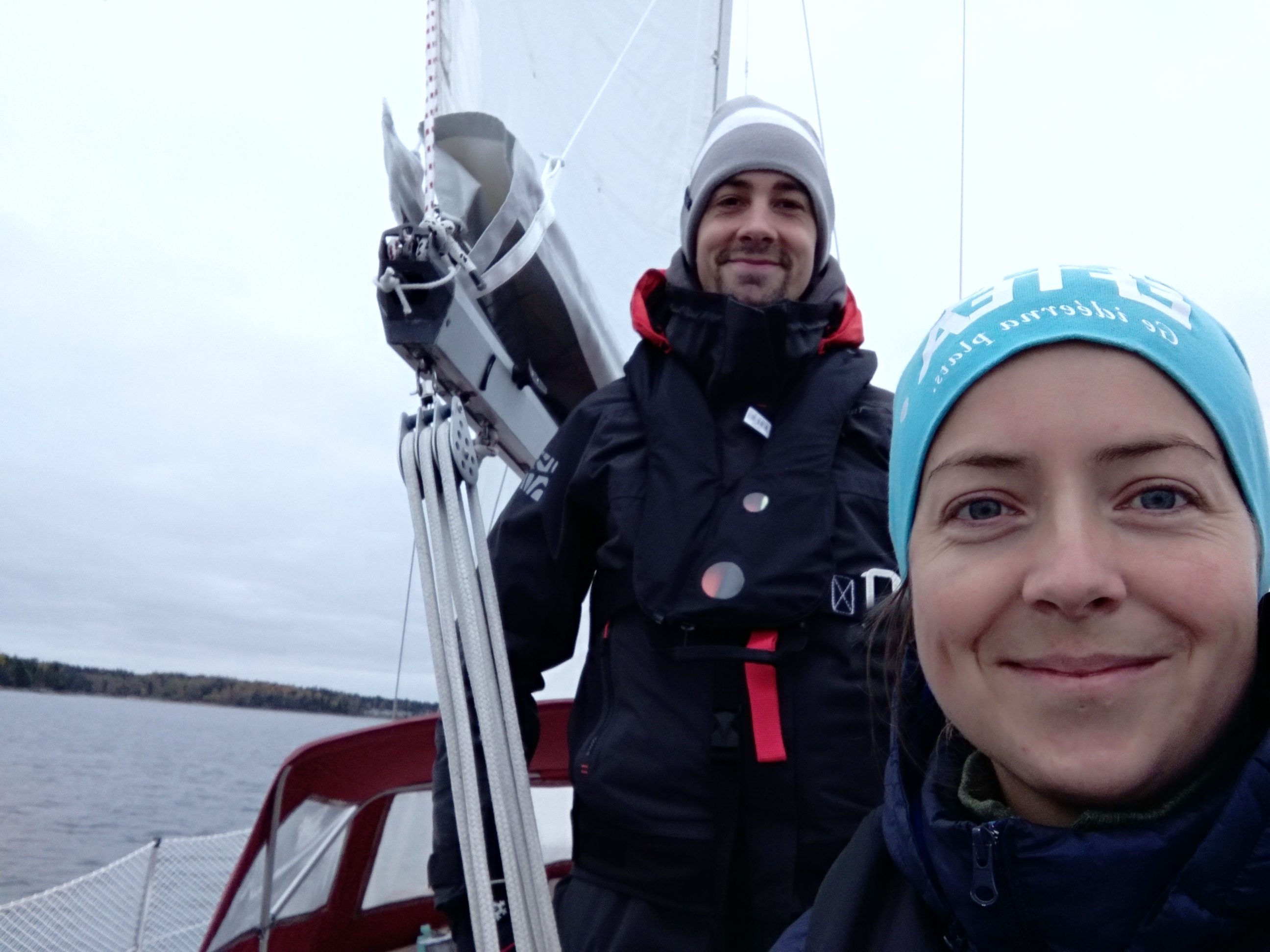 Sailing couple on a boat - Harba Blog