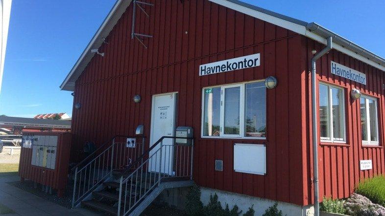 Hou Lystbådehavn harbour office