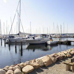 Boats on a sunny day docked at Marina Minde
