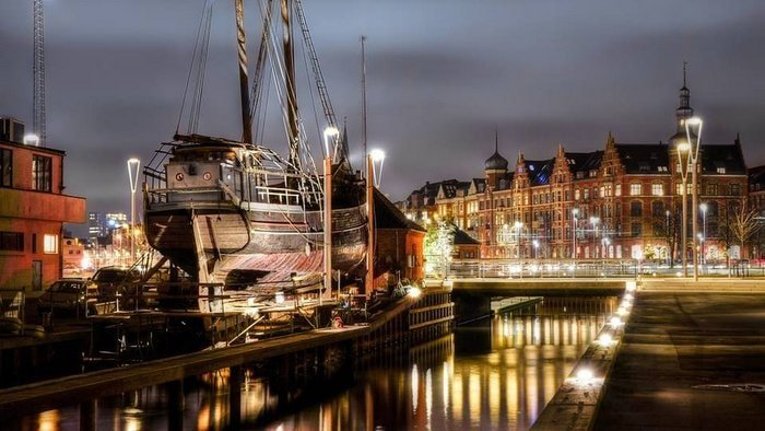 Aarhus Slipway Association at night