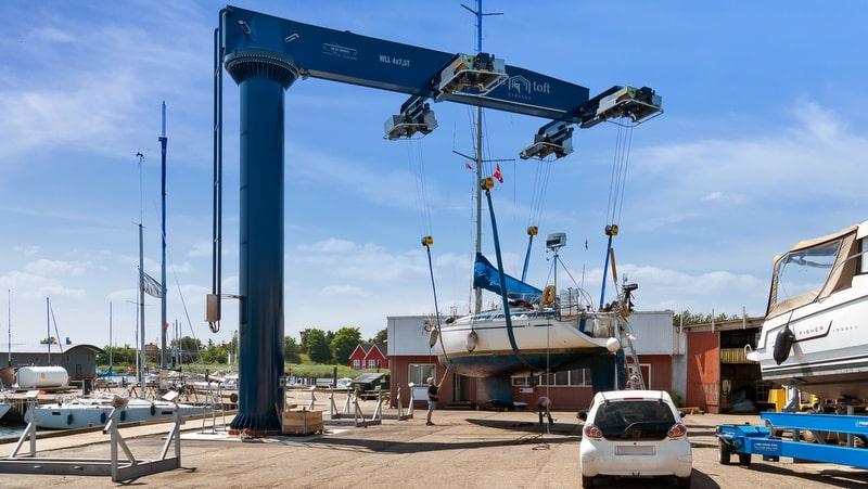 Marina Toft crane